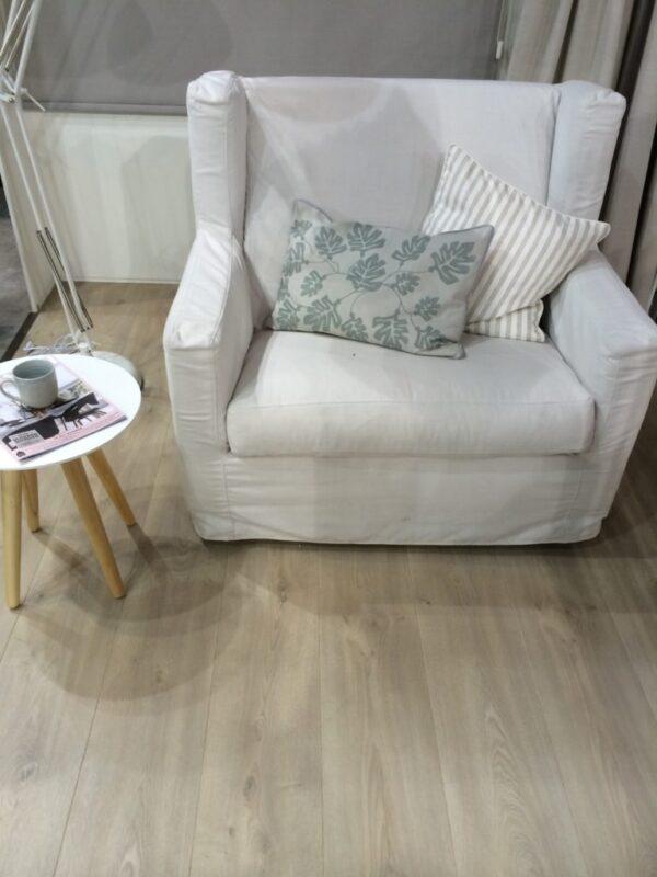 PVC-vloer met gratis zelfklevende lijmlaag