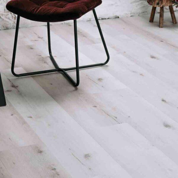 Project PVC-vloer verlijmbaar met GRATIS PLINT