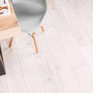 Sfeervolle PVC-vloer verlijmbaar met GRATIS PLINT