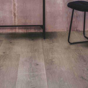Grijsbruin eiken houtlook PVC-vloer met kliksysteem