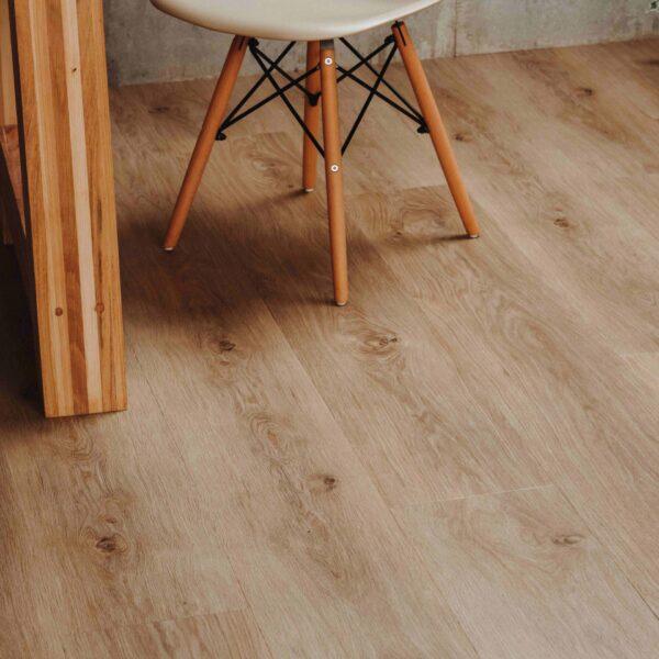 Warm naturel houtlook PVC-vloer met kliksysteem