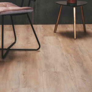 Gerookt eiken verlijmbare PVC-vloer i.c.m. plint + onderhoudsset